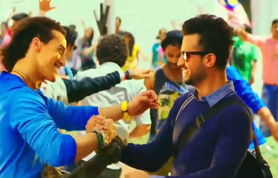 Atif Aslam and Tiger Shroff in a still from the video.