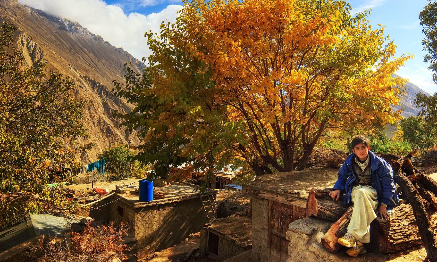 ہوپر جاتے ہوئے — فوٹو سید مہدی بخاری