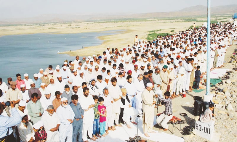 Karachi water crisis: Free water tanker service begins today, says