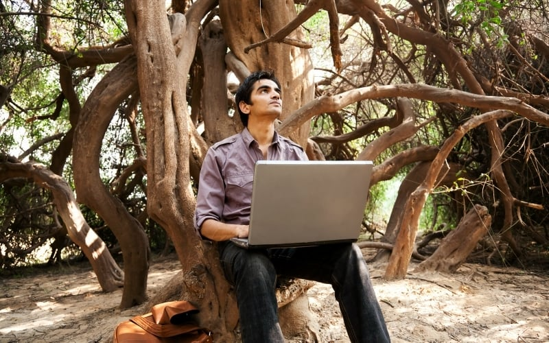 Accessing the internet in Pakistan can feel like you're looking for signal in the middle of the Amazon. — Photo: Shutterstock