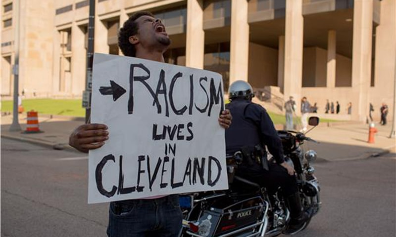 Protests in US city after white policeman acquitted of killing black man and woman