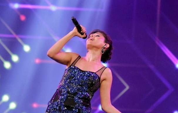 The awards promote healthy relations across the border. Sunidhi Chauhan performed at the HUM TV awards this year —Photo courtesy: Hum Awards' Facebook page