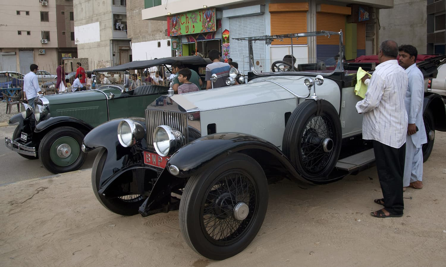 Drive Into The Past With Pakistan S Vintage Car Collectors