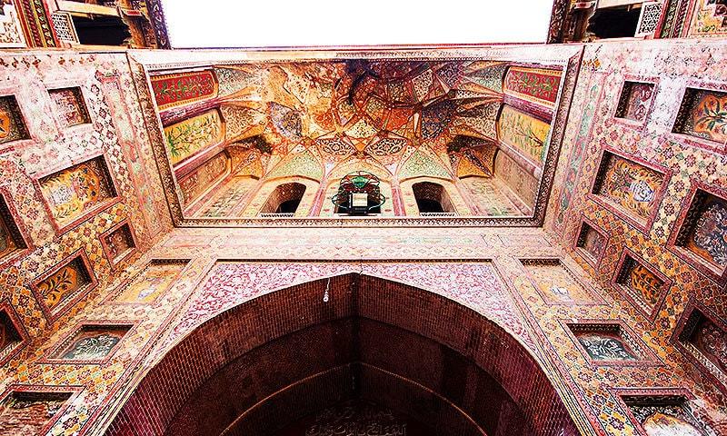 A walk through the Delhi Gate