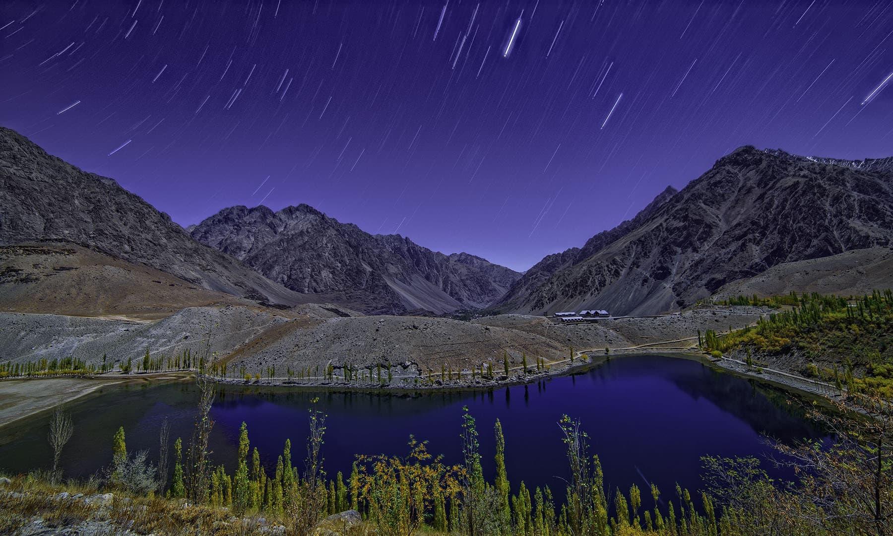 پھنڈر جھیل— فوٹو سید مہدی بخاری