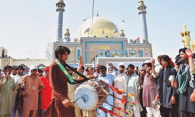 Three More Devotees Die From Heatstroke In Dadu Newspaper Dawn Com