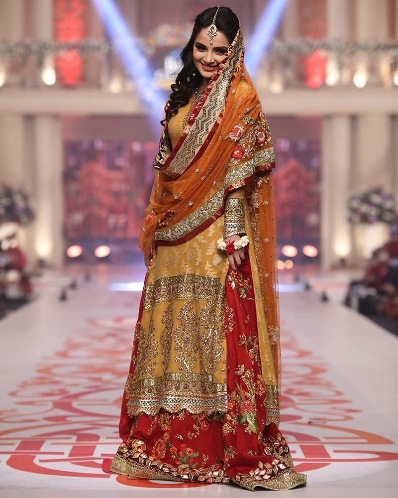 Fashion fave or fail here are 5 best and worst moments from bridal armeena khan in her stunning turn out sania maskatiya ombrellifo Images