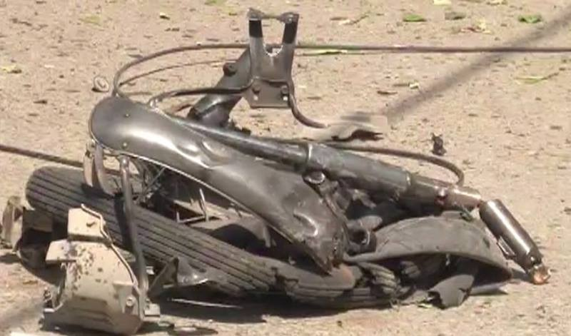 SSP Mian Saeed confirms the attack which targeted FRP Deputy Commandant's vehicle was a suicide blast. —DawnNews screengrab