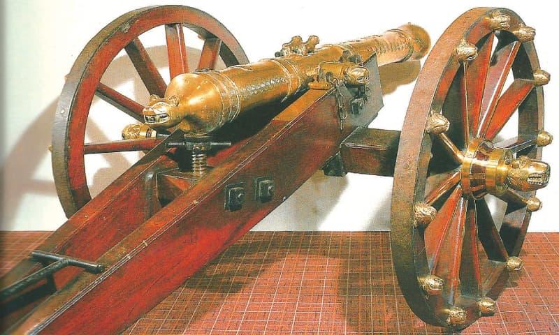 A rare three-pounder cannon with field carriage / Photos courtesy Bonhams sale catalogue