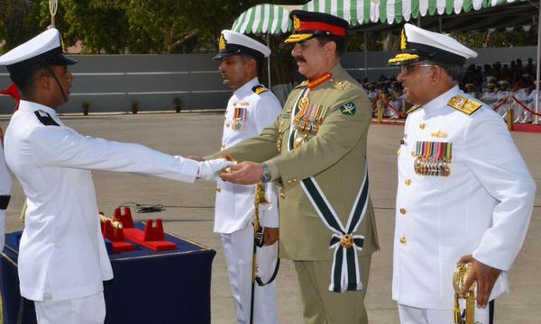 Chief of Army Staff (COAS) Gen Raheel Sharif, chief guest at the Pakistan Naval Academy passing out parade ceremony, giving away sword of honour award.  -courtesy Maj-Gen Asim Bajwa's twitter  account