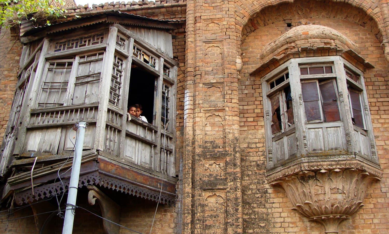 Front facade of Jeevan Singh haveli in Daultala.