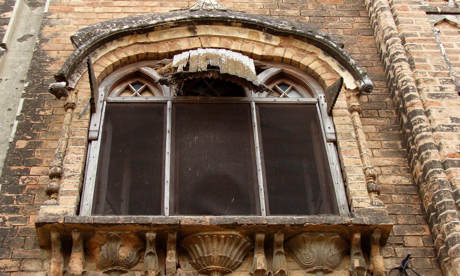 A window in Atam Singh Gujral haveli in Daultala.