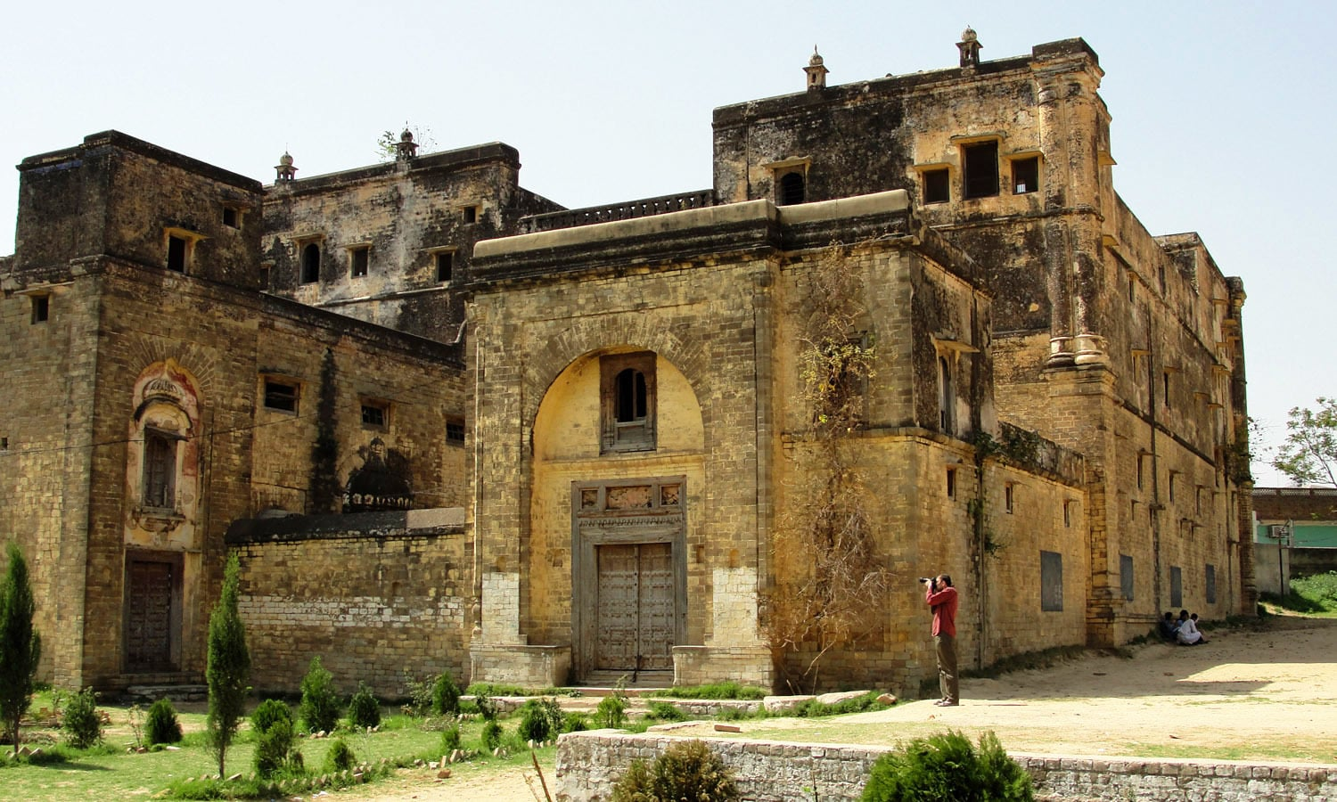 View of Khem Singh Bedi Haveli at Kallar Syedan.