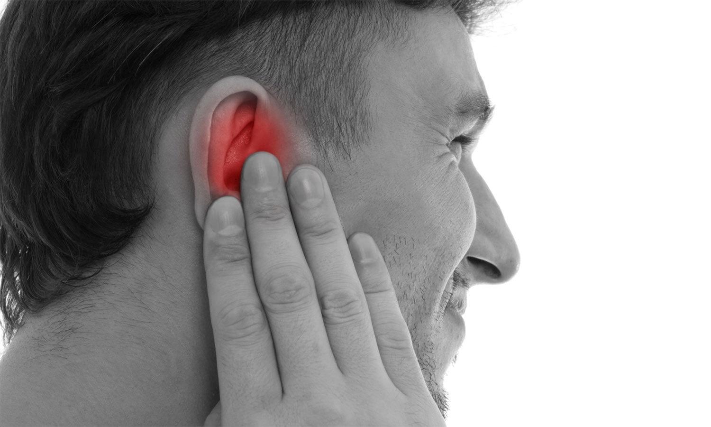 Симптомы отита у взрослых и лечение в домашних условиях