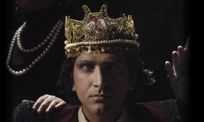 Ali Hamza in a still from the video for 'Aik Tha Badshah'
