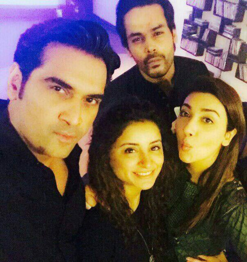 Humayun Saeed, Gohar Rasheed, Sarwat Gillani and Ayesha Khan pose for a selfie. — Publicity photo