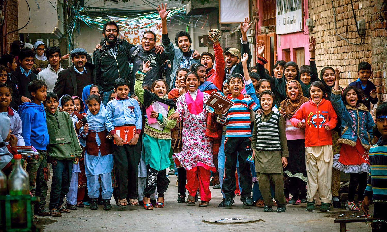 Surviving pakistan s slums the extraordinary story of mohammad sabir