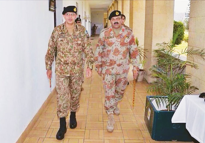 KARACHI: Corps Commander Karachi Lt Gen Naveed Mukhtar and Rangers Director-General Maj Gen Bilal Akbar pictured during the former's visit to the Rangers headquarters on Thursday.—Online