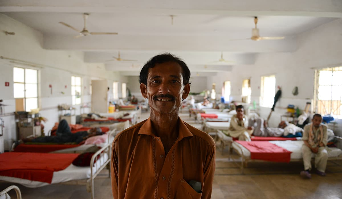 Kabir stands in the ward that he was firs admitted in | Tahir Jamal, White Star