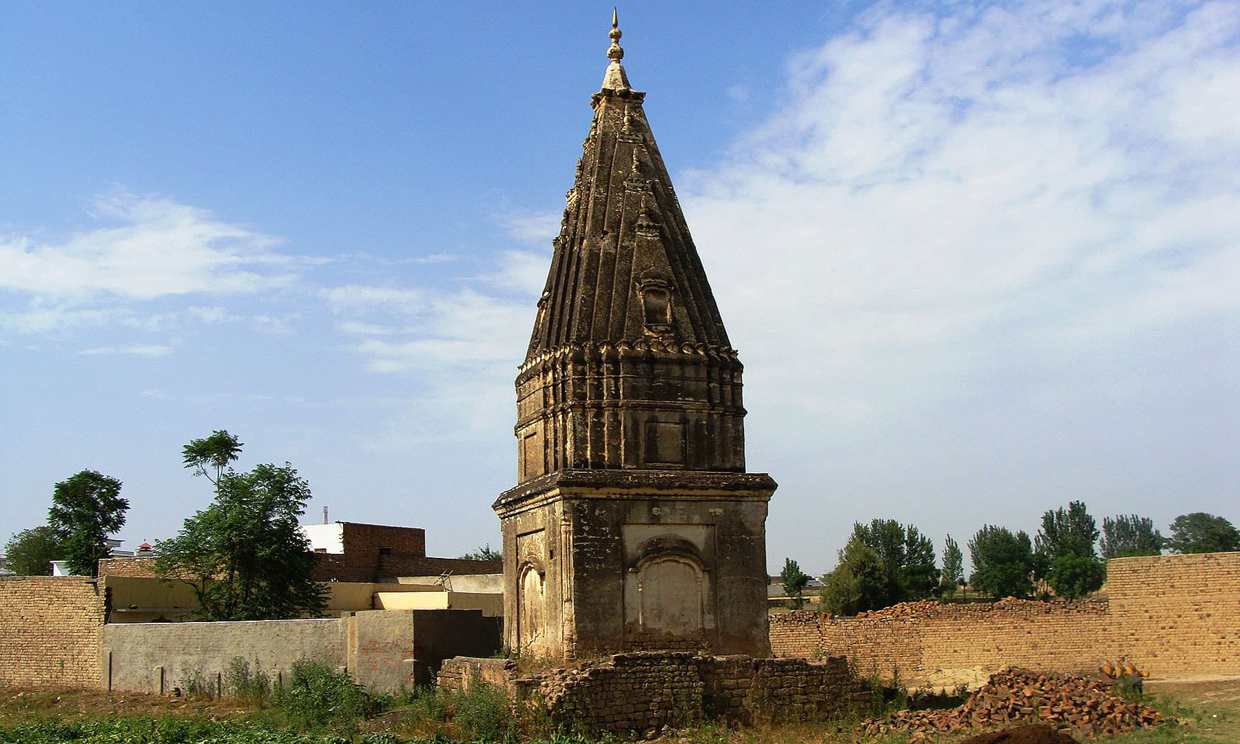 A Hindu temple in Gulyana.