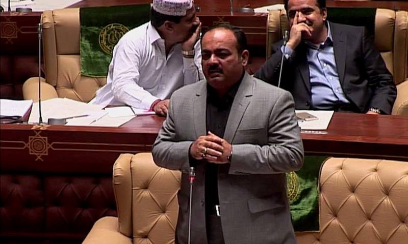 Khawaja Izharul Hasan addressing the Sindh Assembly on Monday. — DawnNews screengrab