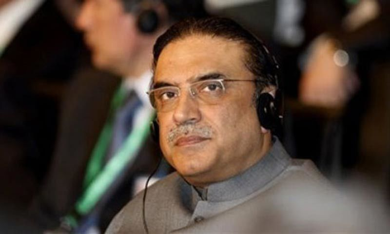 Asif Ali Zardari sent a letter to the prime minister, asking him to take notice of the electricity crisis in Sindh. — AP/File