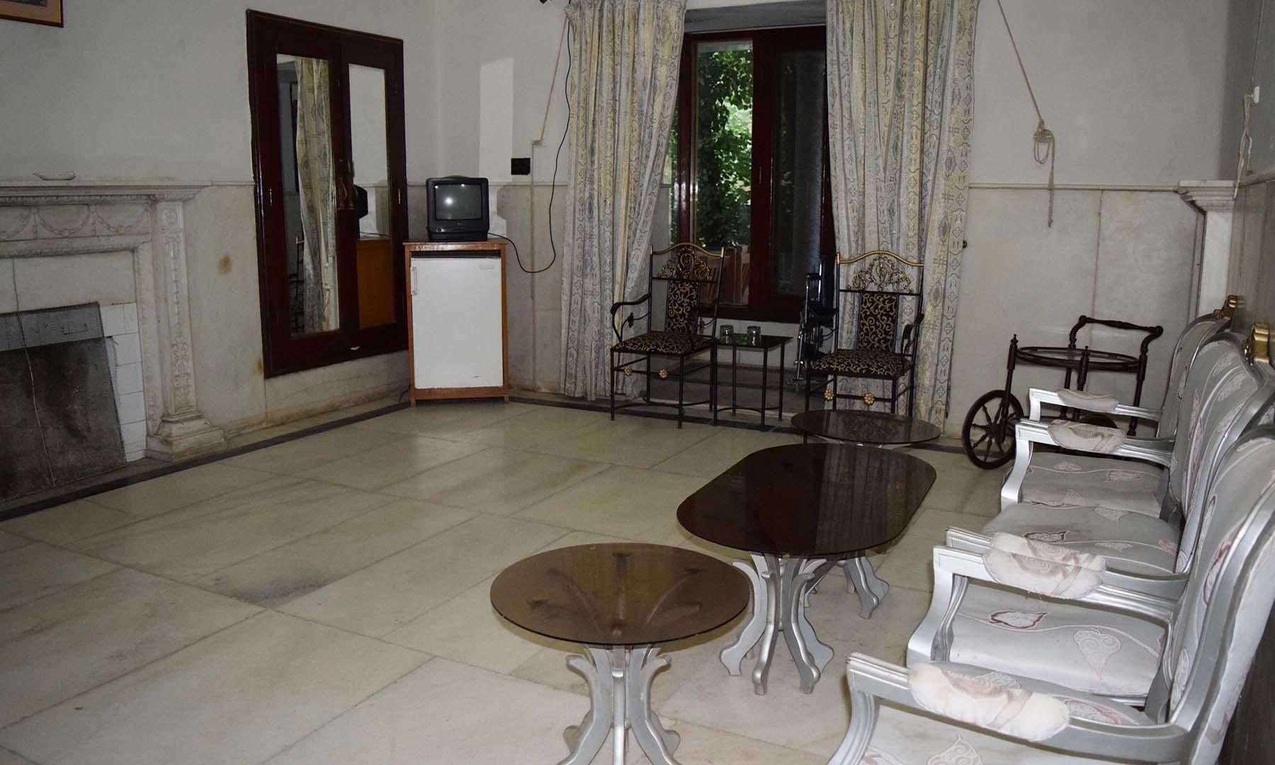 بادشاہ صاحب کے بیڈ روم کے متصل ان کے خاص مہمانوں کے لیے مخصوص شدہ کمرہ۔