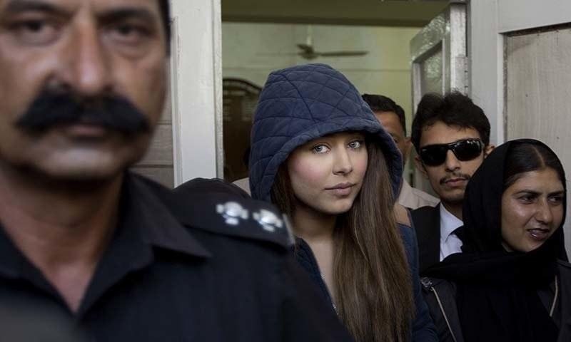 منی لانڈرنگ کیس میں گرفتار سپر ماڈل ایان علی —۔فوٹو/ اے پی