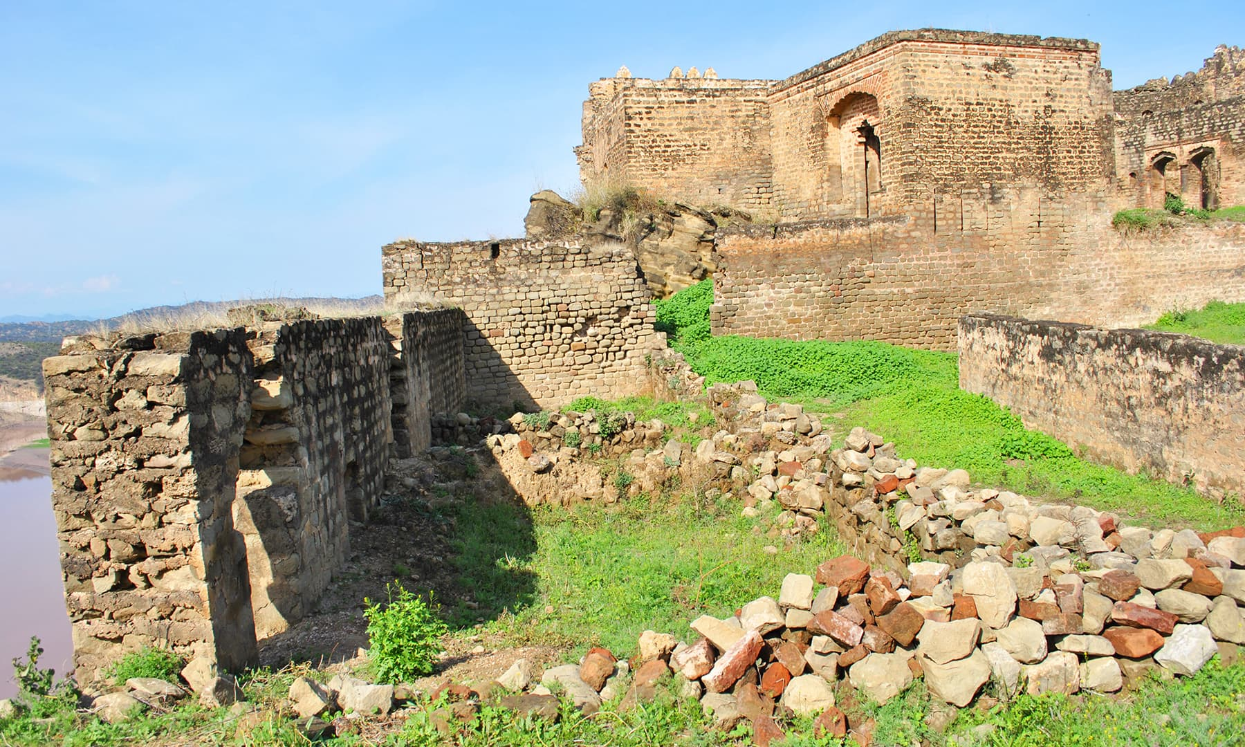 Dr Anis ur Rehman, who later devoted his effort for the restoration work of this fort, says the day he entered the fort for the first time, in the summer of 1999 it lay in complete ruin.