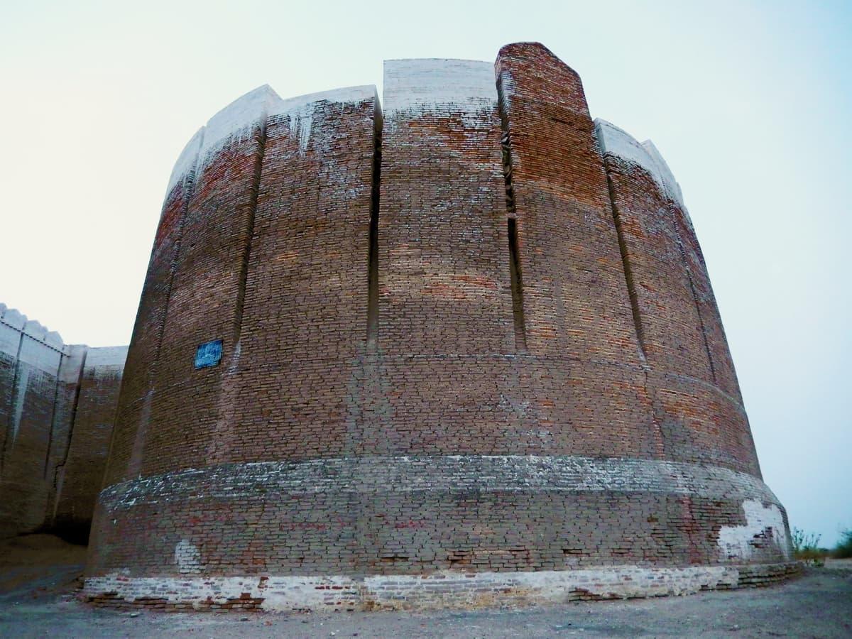 مرکزی مشرقی برج
