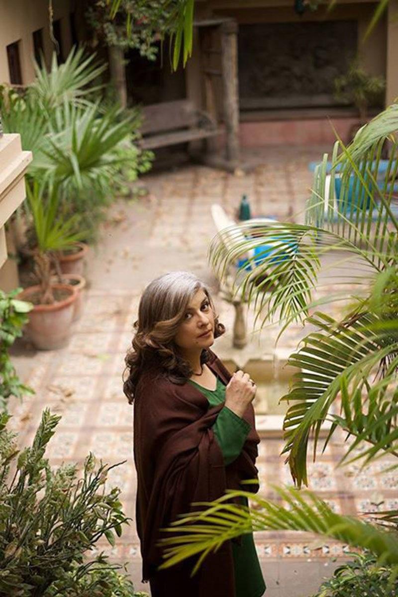 Marina Khan from 'Lala Begum's BTS shot. — Photo courtesy: Mehreen Jabbar's Facebook page