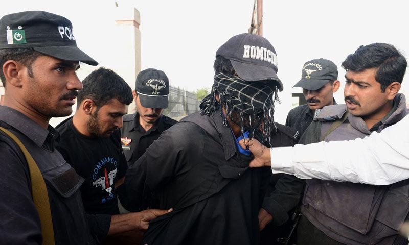 پولیس اور حساس اداروں نے خفیہ معلومات پر کوئٹہ کے علاقے قمبرانی اور ہودا میں آپریشن کیا۔ — فائل فوٹو/ اے ایف پی