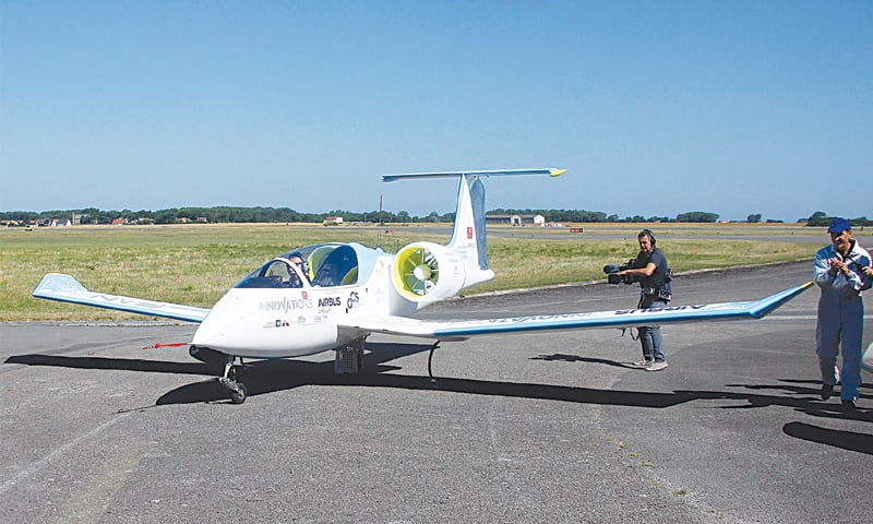 First electric planes fly over English Channel