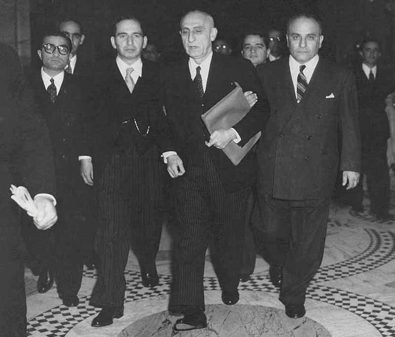 Mohammad Mossadegh (third from left) with some members of his National Front.