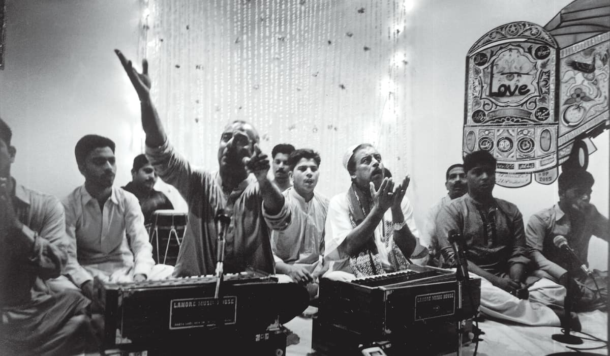 A qawwali session held at T2F on Mahmud's birthday posthumously | Arif Mahmood, White Star