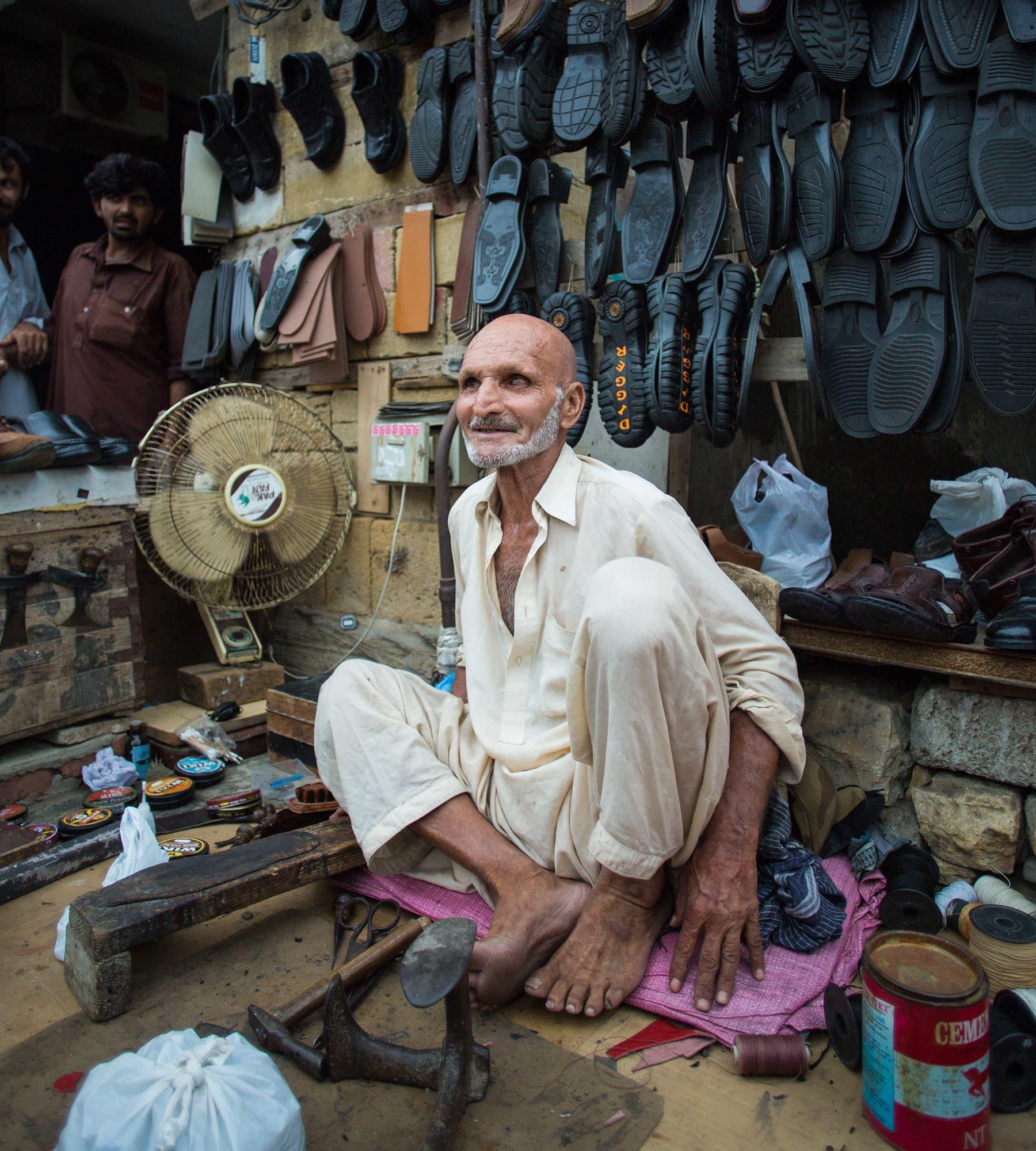 Naushad Khan at his roadside spot.
