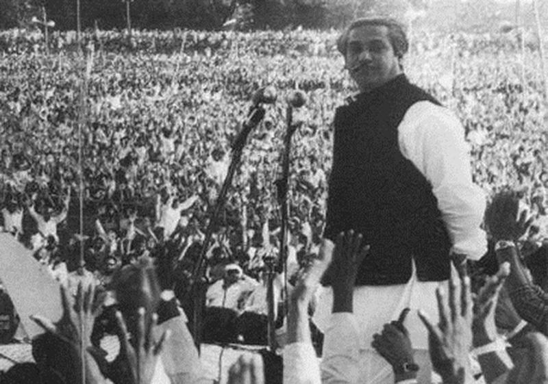 Bengali nationalist leader, Shiekh Mujeeb, adressing an election rally in Dhaka (1970).