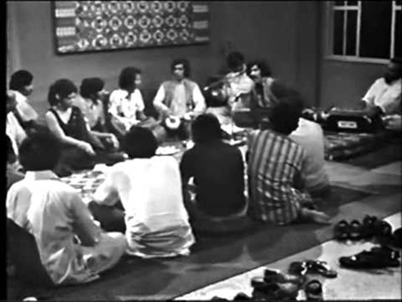 An eastern classical and folk music gathering in Lahore (1973).