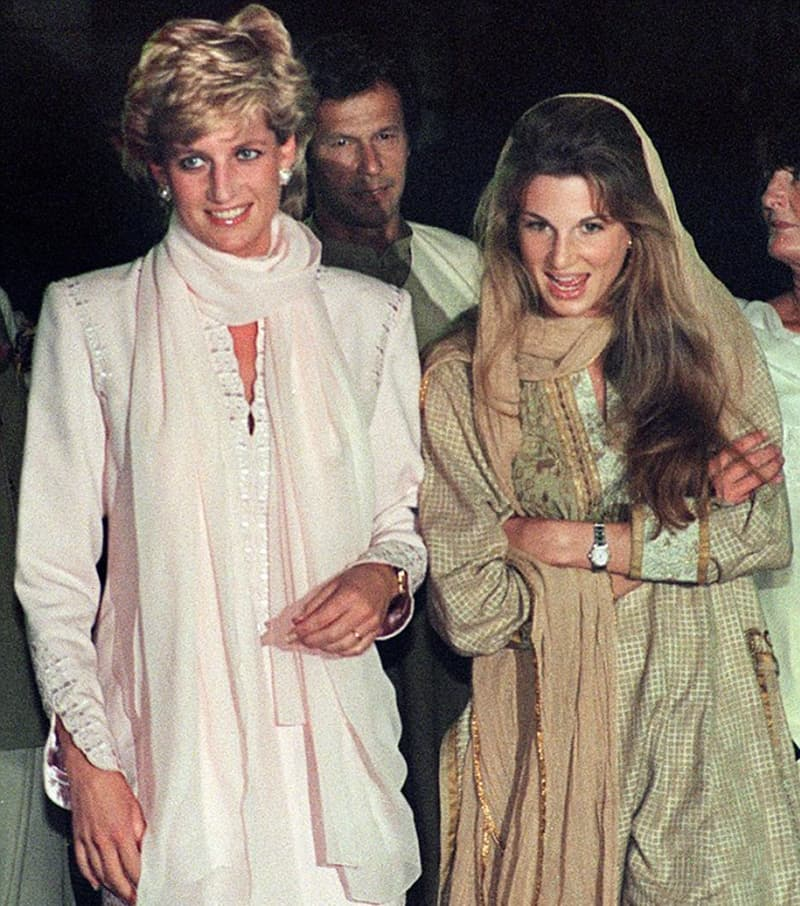 Lady Diana with Jemima Khan (former wife of Imran Khan) and Imran Khan during her trip to Lahore in 1997.