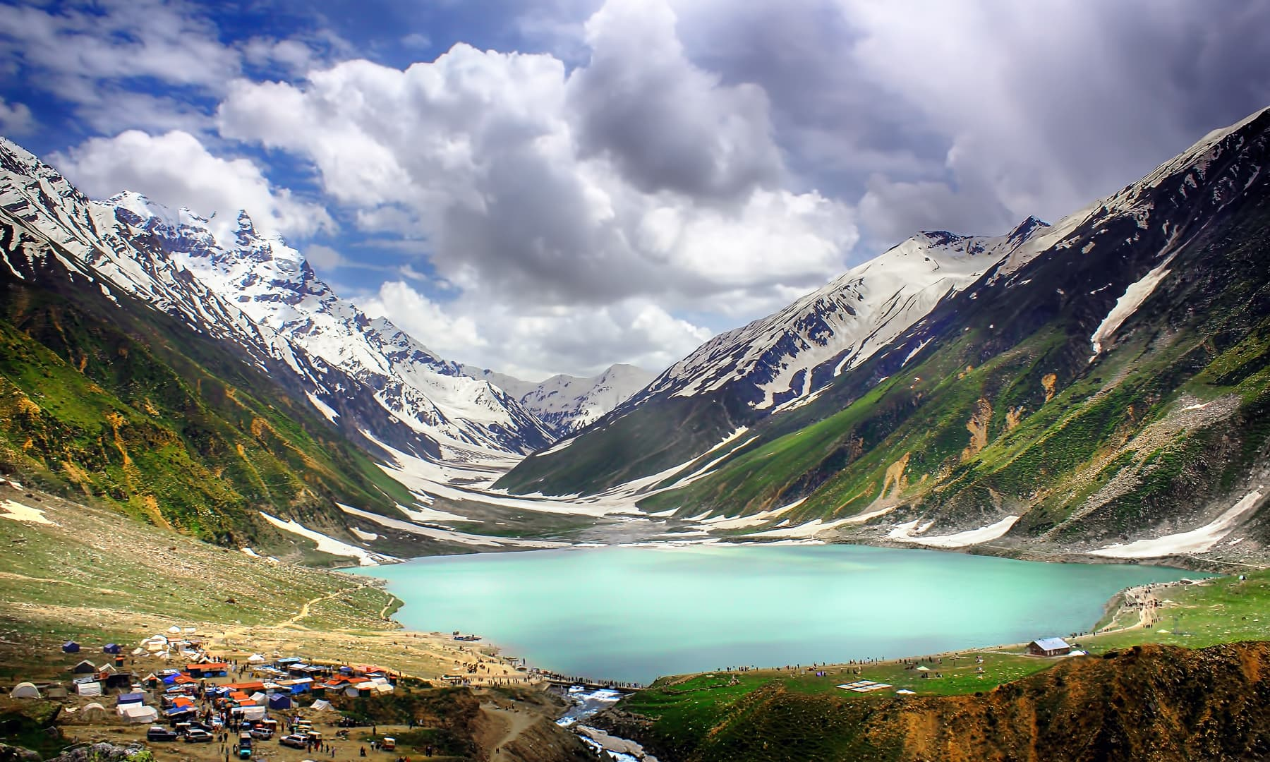 Lake Saif-ul-Malook in summertime.