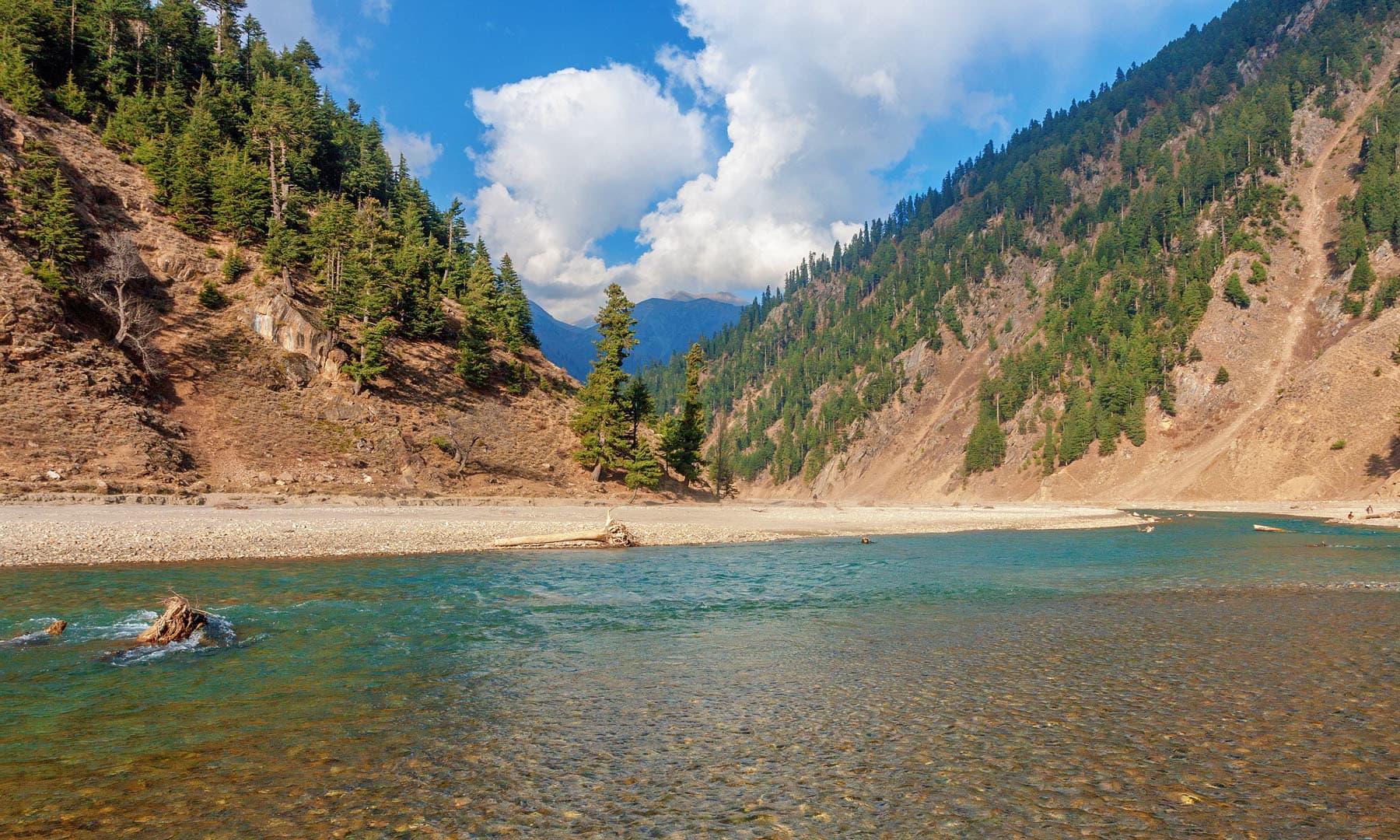 دریائے کنہار.— فوٹو سید مہدی بخاری