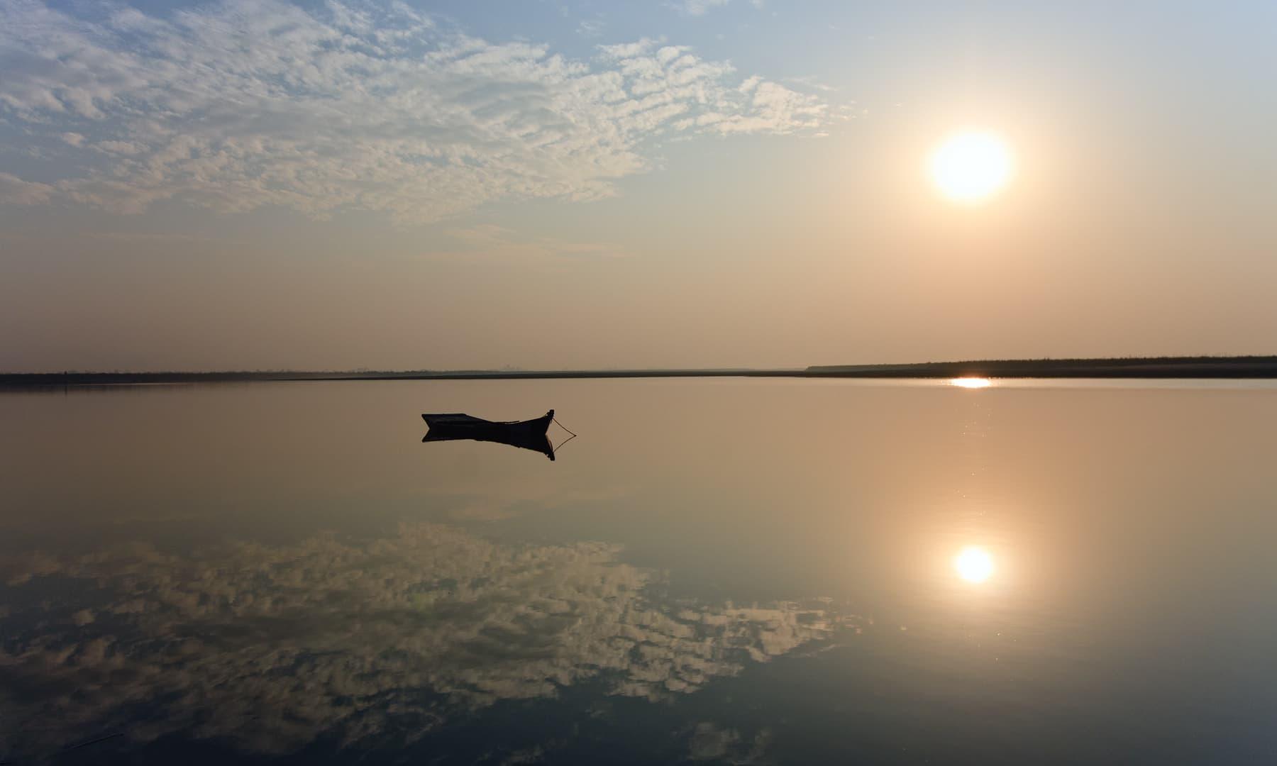 دریائے چناب. — فوٹو سید مہدی بخاری