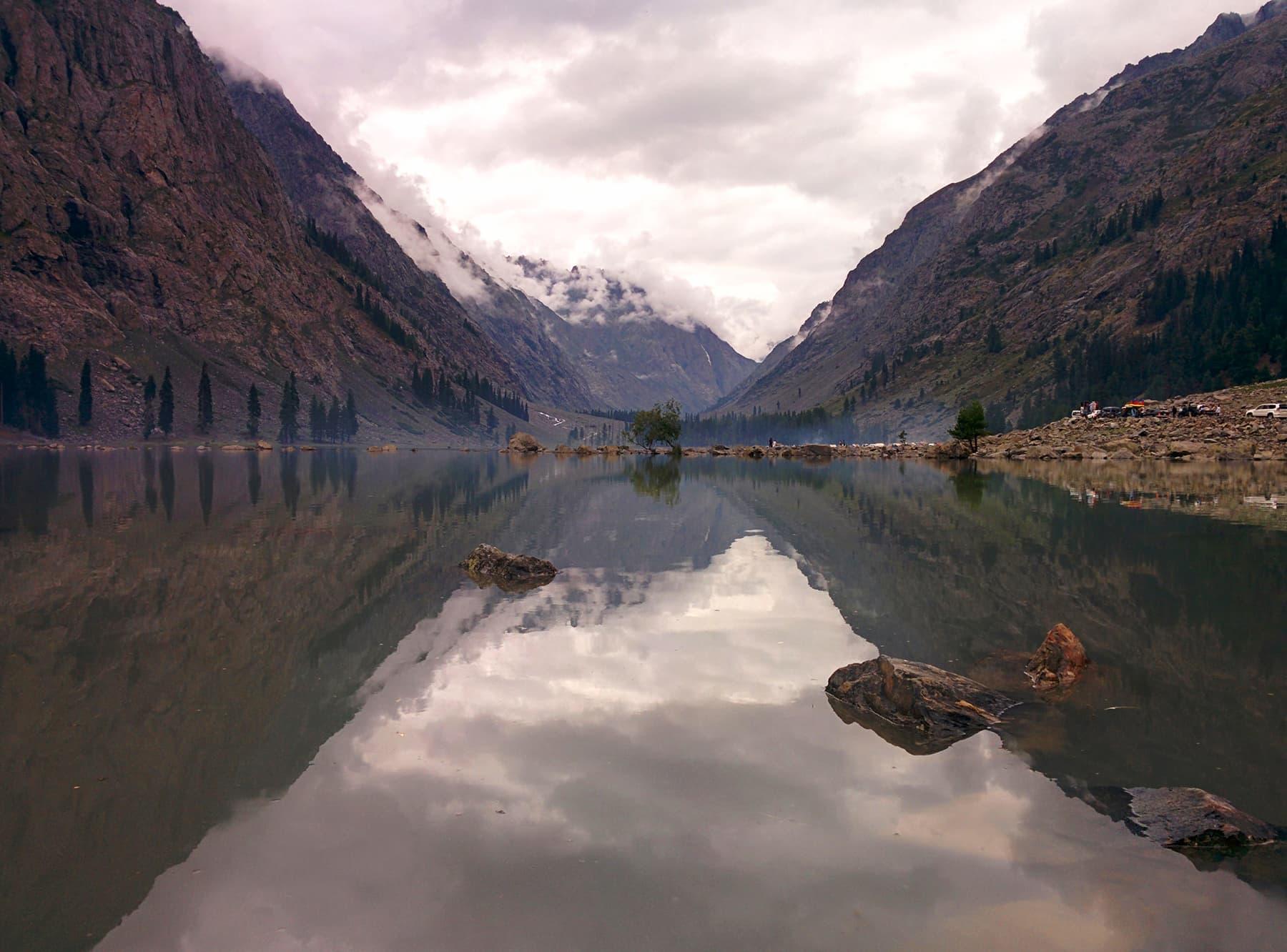 Lake Mahodand.