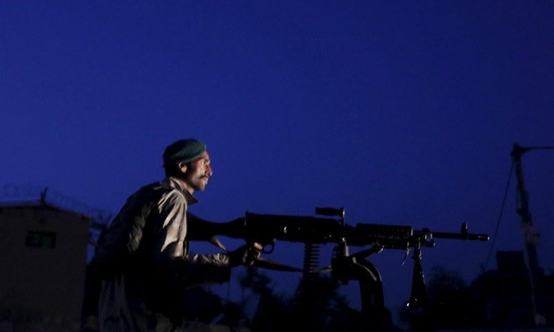 ایک پیدل خود کش حملہ آور نے خود کو اکیڈمی کے پاس دھماکے سے اڑالیا— رائٹرز فائل فوٹو
