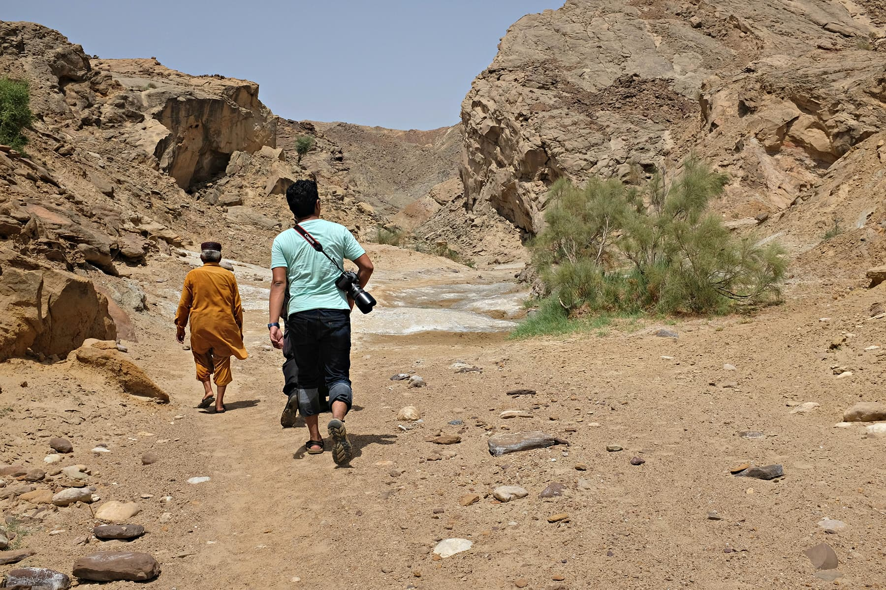 We park our cars and embark on our journey on foot towards Sado Mazo.