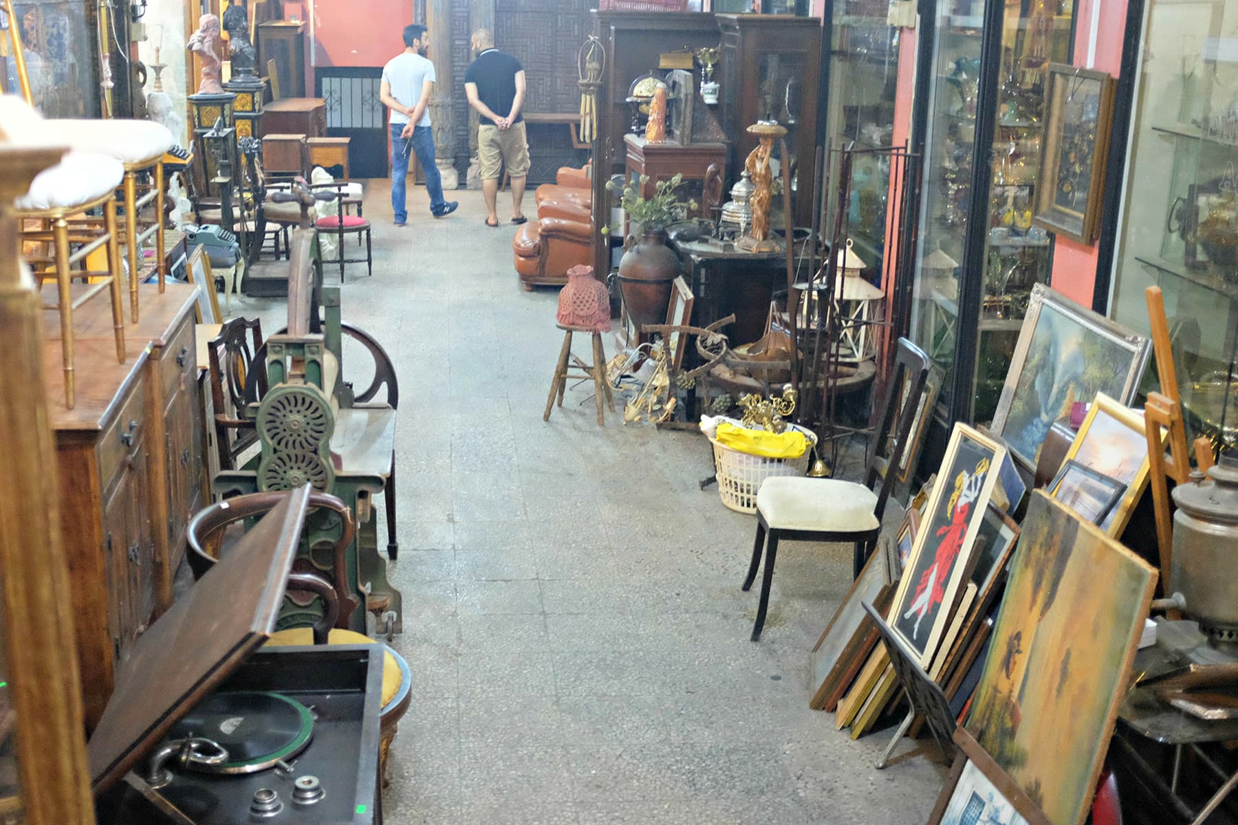 A view of Uskudar Antique Market.