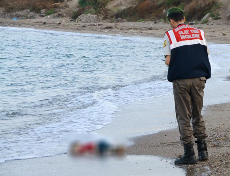 ایلان کردی کی لاش ترکی کے ساحل پر ملی تھی—فوٹو: رائٹرز