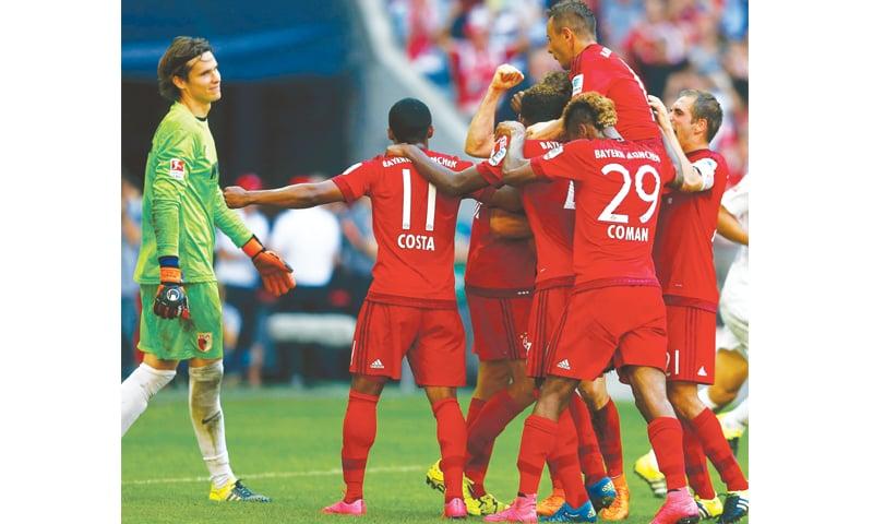 Dortmund, Bayern maintain 100 percent starts - Newspaper - DAWN COM