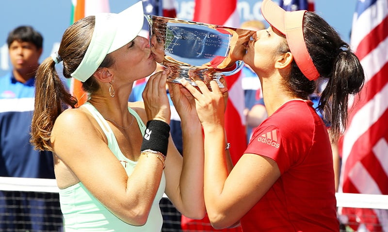 Sania Mirza, Hingis end perfect US Open with doubles title