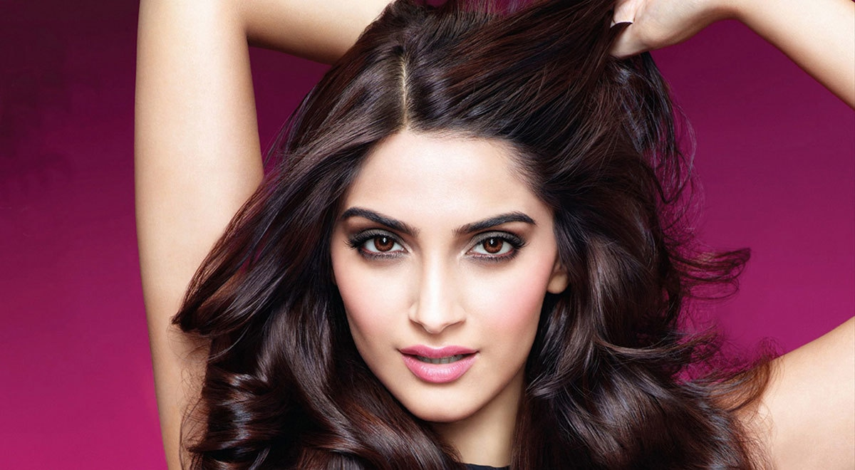 If you're in a really messy relationship, break up: Sonam Kapoor